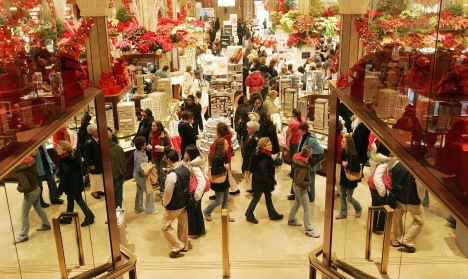 Christmas Sales, Holiday Shopping 2010