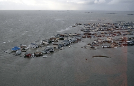hurricane_sandy_the_superstorm