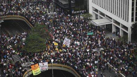 brasil-protestos-sao-paulo-20130620-03-size-598