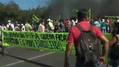 cnt474291_h229_w407_aNoChange_veja-protesto-contra-a-copa-das-confederacoes-em-brasilia