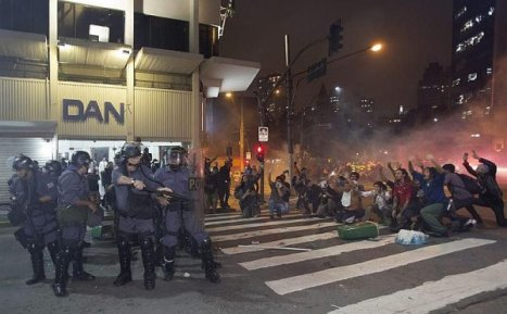tn_600_430_protestoSP090613